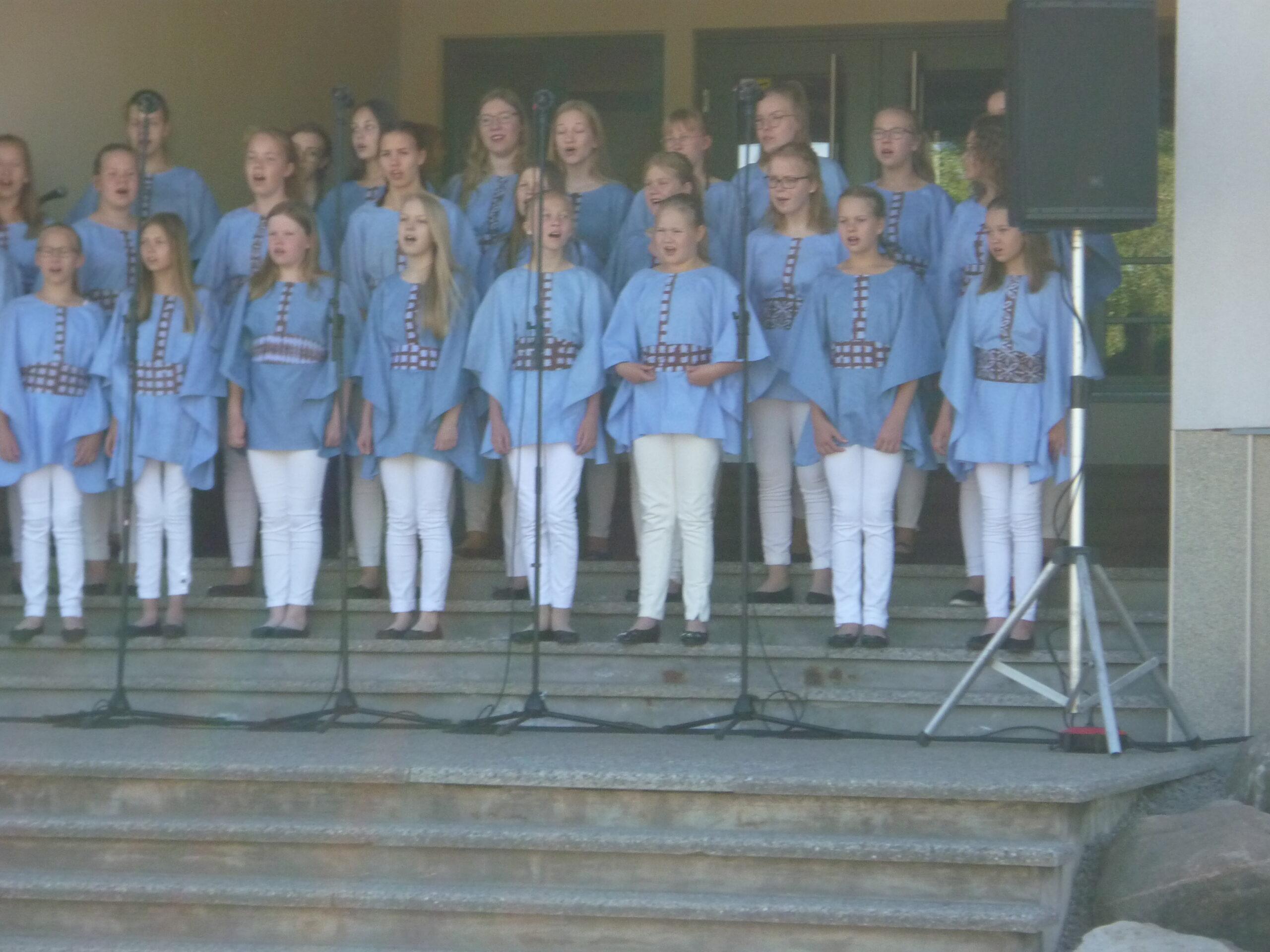 Nurmijärvi neidude koor Laululuiged 1 (2)